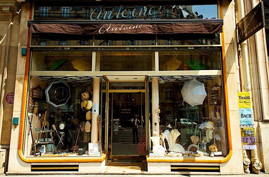 Histoire du plus vieux magasin de parapluies à Paris